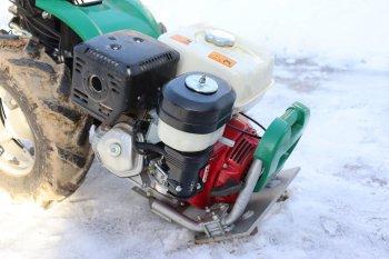 Oba majitelé vsadili na benzínový motor Honda. Díky tomu má malotraktor nižší hmotnost, zdroj foto - Milan Jedlička