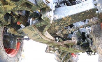 Aby Kubota M6-142 obstála v těžkých polních podmínkách, je vyztužena od předního závěsu až po zadní portály. Zdroj foto - Milan Jedlička